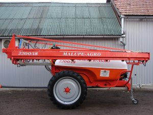 Erbicidator tractat Malupe Agro